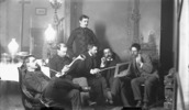 Titre original :  Members of the Ottawa School of Art. Left to right: Franklin Brownell, Michel Frechette, William Brymner, John Watts, Frank Checkley and Lawrence Fennings Taylor.