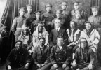 Titre original :  Elders and Indian soldiers in the uniform of the Canadian Expeditionary Force.