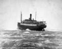 Titre original :    Description English: Princess Sophia (steamship) on Vanderbilt Reef, October 24, 1918, from the windward side. The ship washed off the rock less than 24 hours later. At least 343 people were on board and all were drowned. Date 1918 copyright Source Library and Archives Canada Shipwreck investigations -- image C009577 Author Winter and Pond Permission (Reusing this file) Public domain (published before 1923) Other versions This is probably a closeup of this photograph