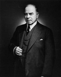 Original title:  Portrait of the Rt. Hon. William L. Mackenzie King, Prime Minister of Canada from 1921 to 1926; from 1926 to 1930 and from 1935 to 1948.